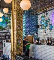 Meddle Coffee Bar