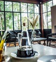 Las Liebres Restaurante Hotel