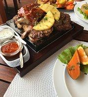 Vila Ventura Garden Grill
