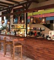 Kuzina Galerie Traditional Restaurant