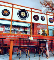 Nanz Cafe and Confectionery