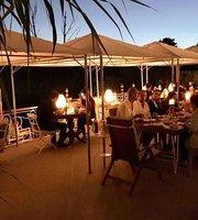 Riverangel Hotel Restoran