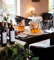 AstenRose Restaurant