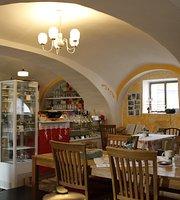 U KONE - Literarni kavarna