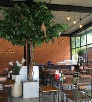 Ban Suan Bua Restaurant