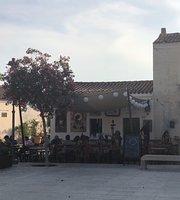 La Place Wine & Art