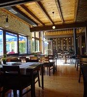 Nacionalni Restoran Crno Jezero