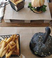 Mondo's Bar & Grill