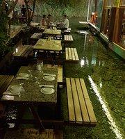 Azmak Restaurant