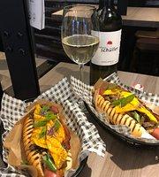ManGi Hot Dogs