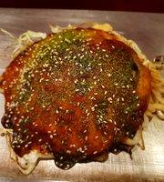 Hiroshima-Style Okonomiyaki Hinachan