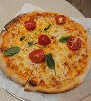 Peperoni Pizzeria