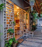 Lokal Cafe Bali