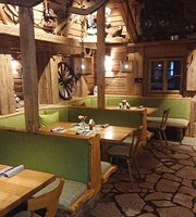 Holzkafer - Berghutte - Restaurant - Backstube