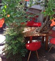 Design Festa Cafe & Bar
