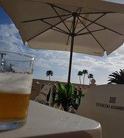 Waikiki Pool Food Bar