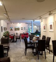 The Art Cafe & Bistro