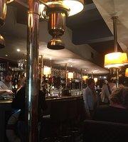 Cocktail Bar & Bistro Old Steamer