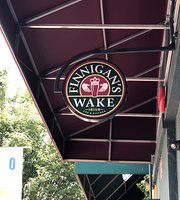 ‪Finnigan's Wake Irish Pub‬