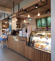Mommouth Coffee - Tamsui Branch