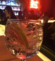 Zimbro Gin&Tonic Bar