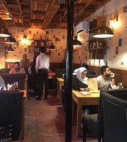 Books & Bricks Cafe