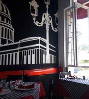 La Kapital Cafe