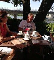 Cafe Bistro Evelin
