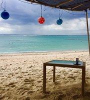 Beach Hello Hut