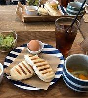 Cafe Meli-Melo
