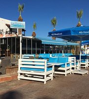 Deniz Beach Restaurant & Bar