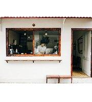 Le J' Cafe
