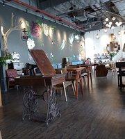 Half Full Bistro & Cafe
