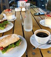 Café Bistro Les Amis