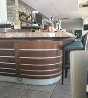 Lobby Cafe & Bar