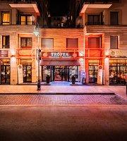 Trófea Grill Restaurant Downtown