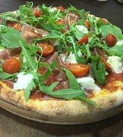 Claudio's Pizzas