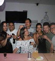 AQUI TO' MADRID Lounge & Bar