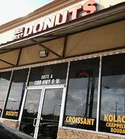 Dee's Best Donuts