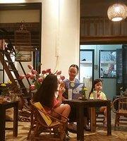 Khay Cafe