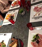 A La Bonne Table