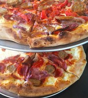 Max's Coal Oven Pizza