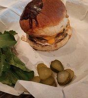 Piper Cub Burger