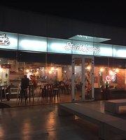 Street Lounge