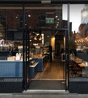 Ann's Bakery - Moore Street