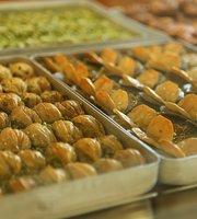 Ladda Baklava Store