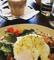 Allumer Coffee & Eatery