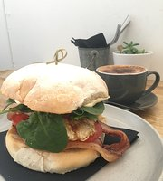 Kincumber Post Cafe