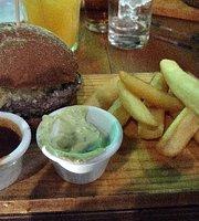 Clandestino Burger & Bar