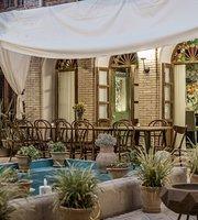 Darbe Shazdeh Restaurant